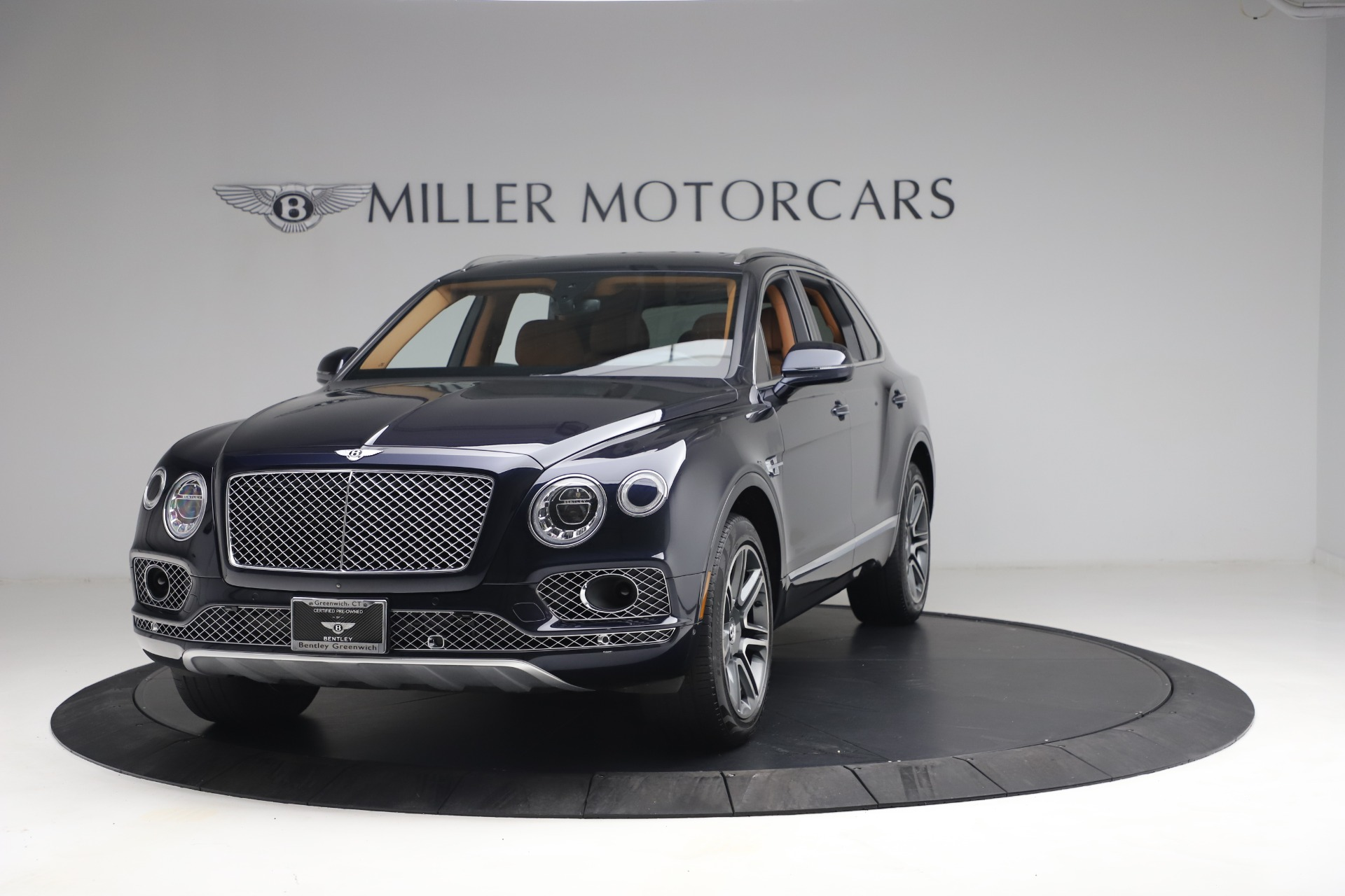 Used 2018 Bentley Bentayga W12 Signature for sale $149,900 at McLaren Greenwich in Greenwich CT 06830 1