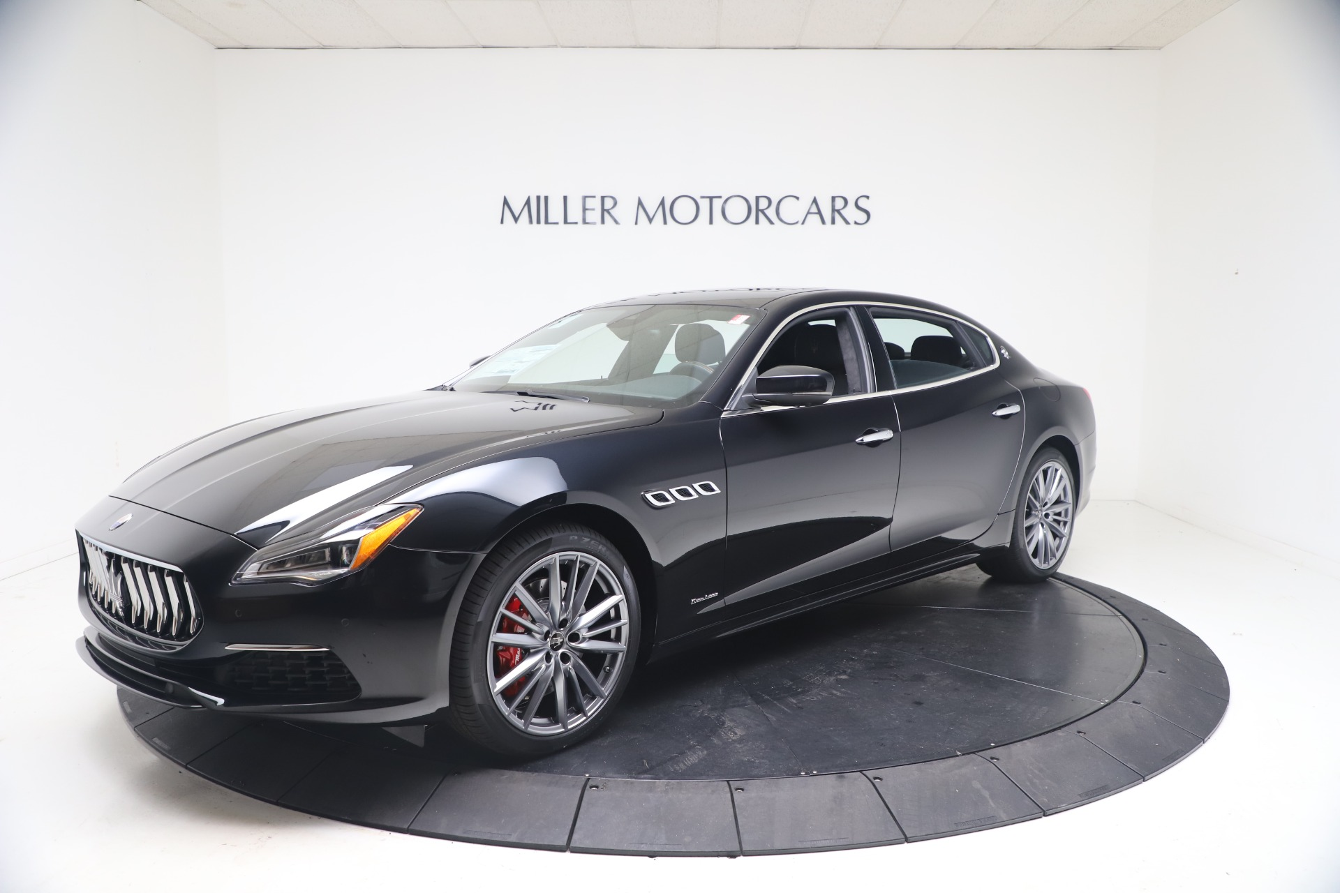 New 2021 Maserati Quattroporte S Q4 GranLusso for sale $129,135 at McLaren Greenwich in Greenwich CT 06830 1