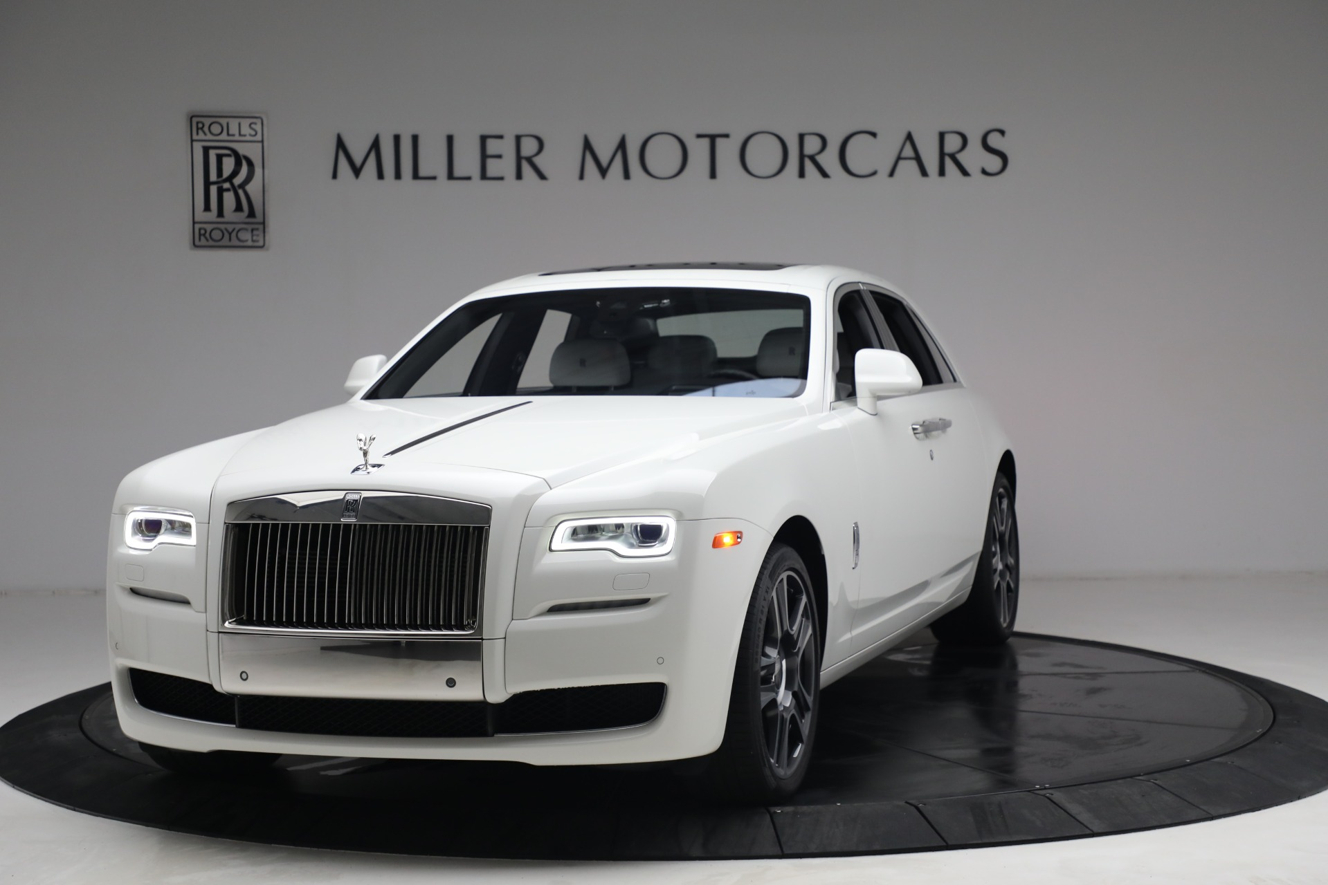 Used 2017 Rolls-Royce Ghost for sale $219,900 at McLaren Greenwich in Greenwich CT 06830 1