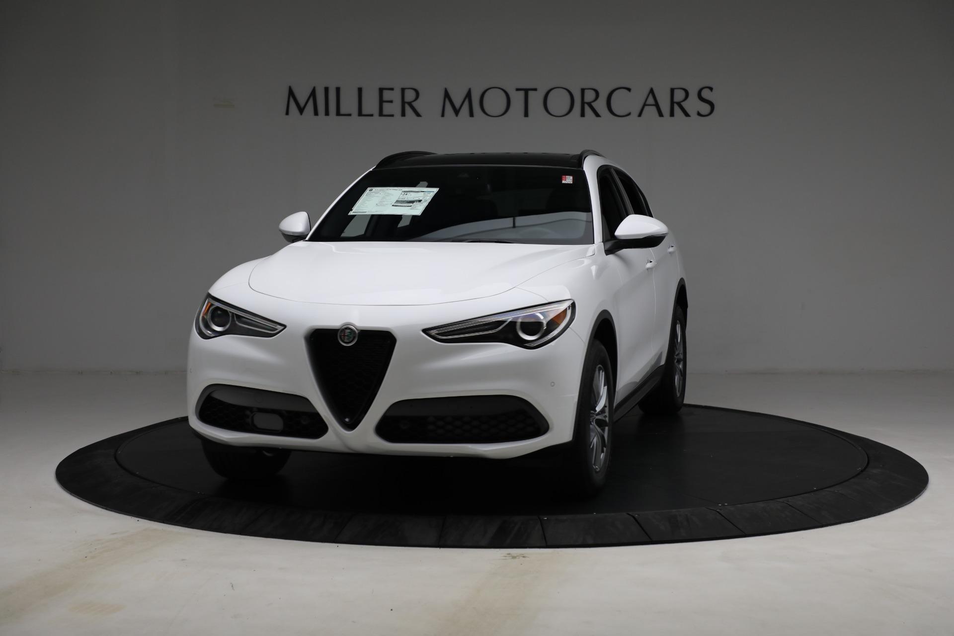 New 2022 Alfa Romeo Stelvio Sprint for sale $50,445 at McLaren Greenwich in Greenwich CT 06830 1