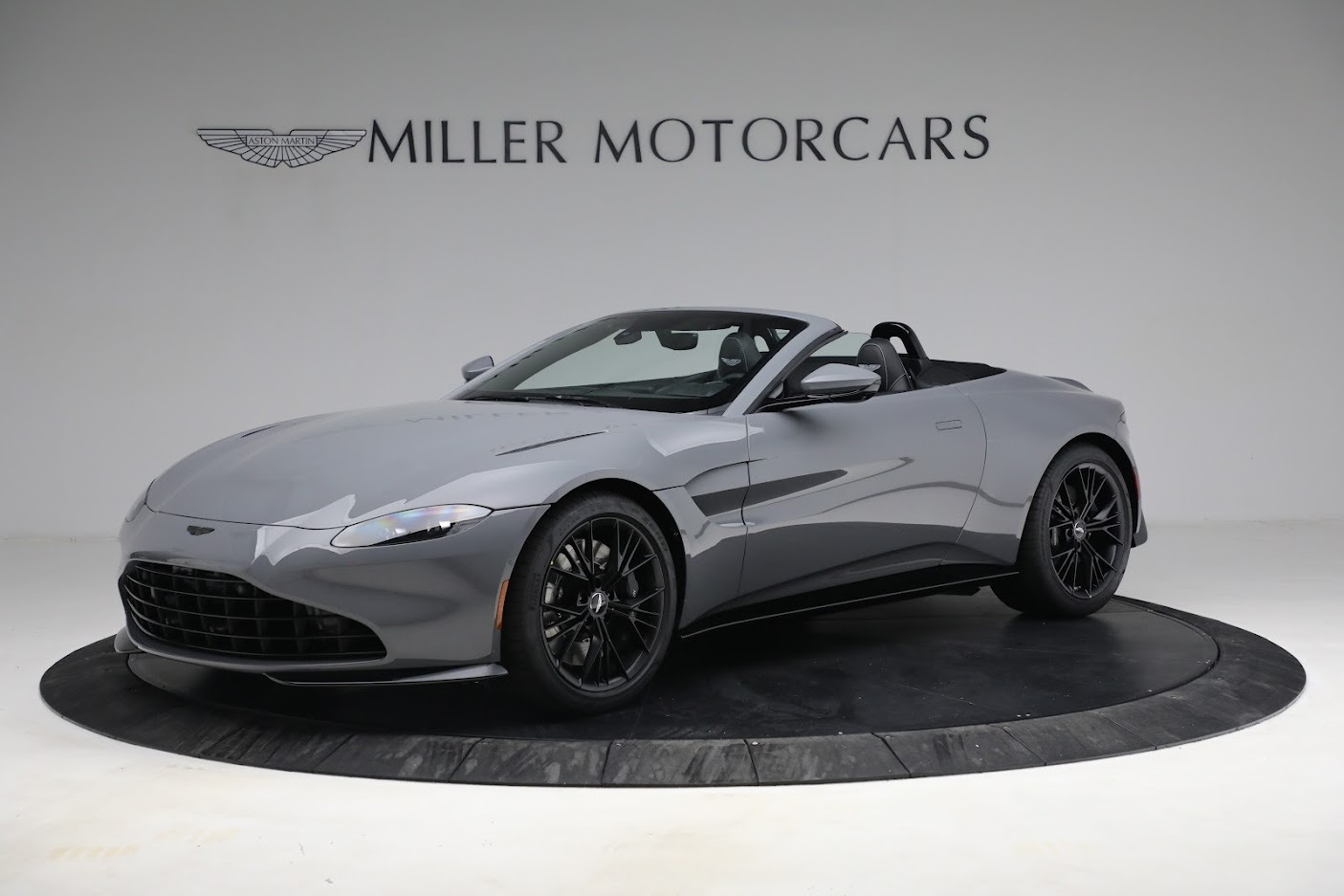 New 2021 Aston Martin Vantage Roadster for sale $180,286 at McLaren Greenwich in Greenwich CT 06830 1