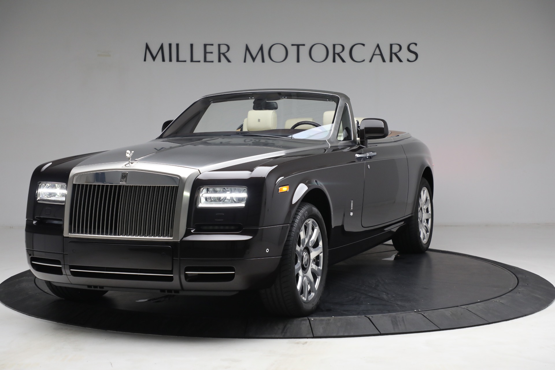Used 2015 Rolls-Royce Phantom Drophead Coupe for sale Call for price at McLaren Greenwich in Greenwich CT 06830 1