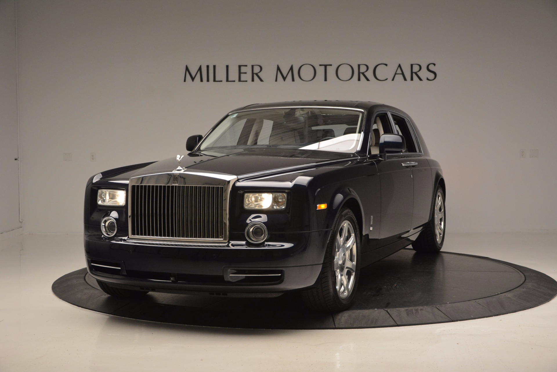 Used 2011 Rolls-Royce Phantom for sale Sold at McLaren Greenwich in Greenwich CT 06830 1