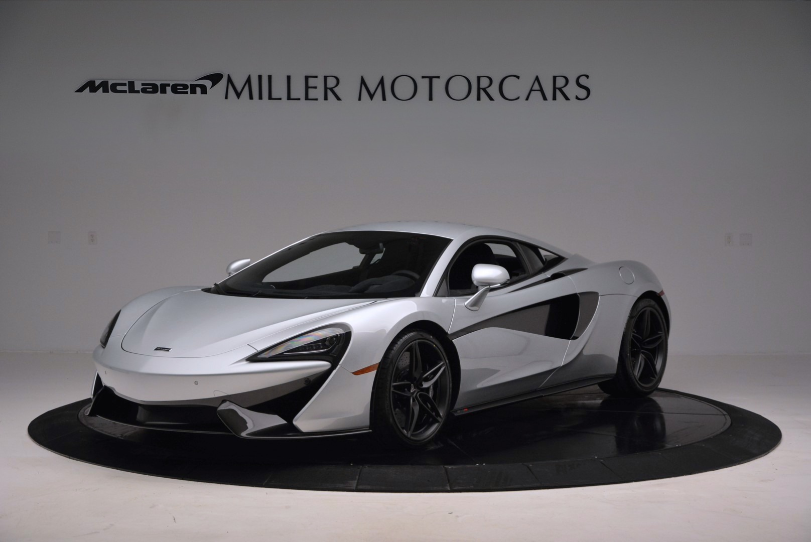 Used 2017 McLaren 570S Coupe for sale $149,900 at McLaren Greenwich in Greenwich CT 06830 1