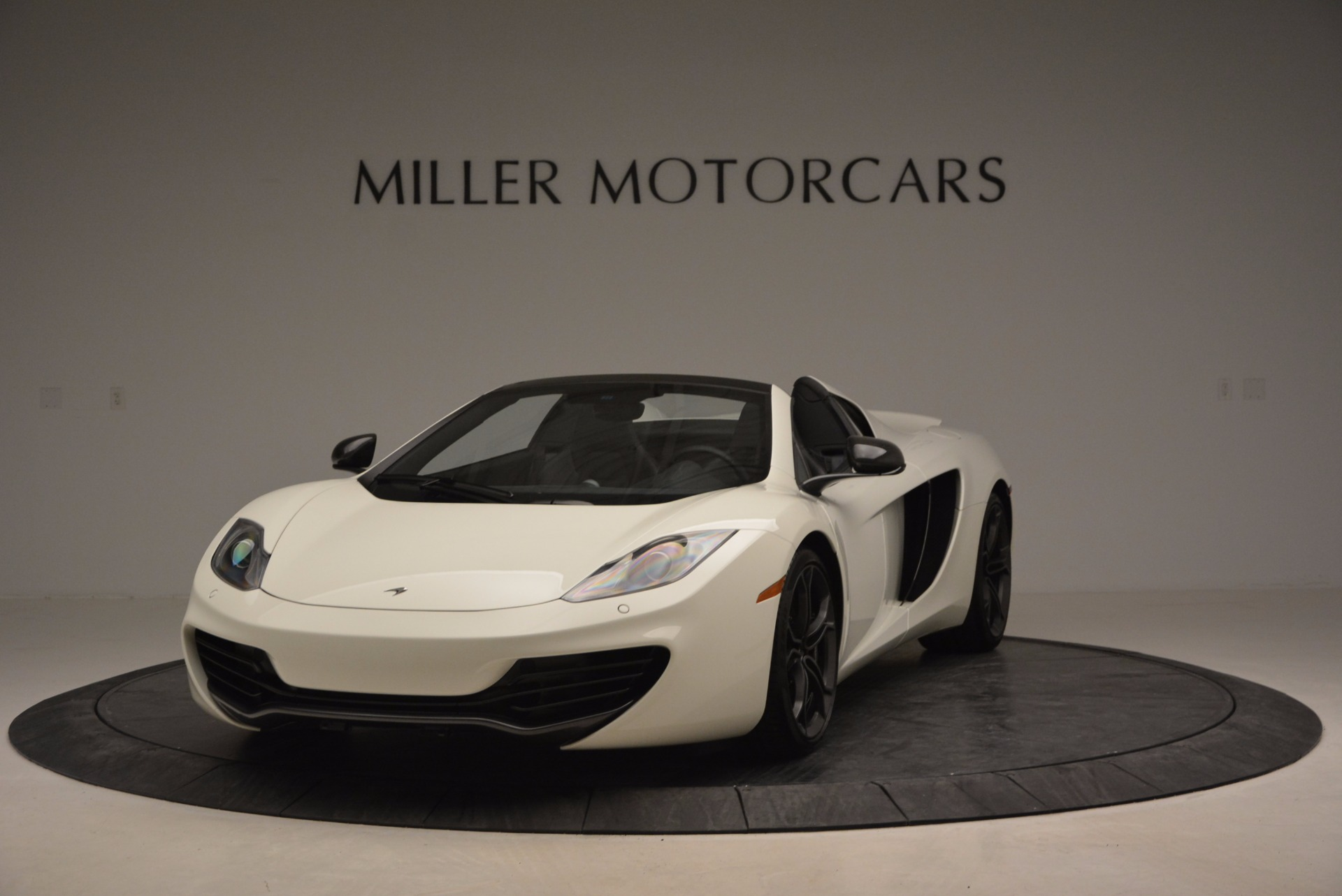 Used 2014 McLaren MP4-12C Spider for sale Sold at McLaren Greenwich in Greenwich CT 06830 1