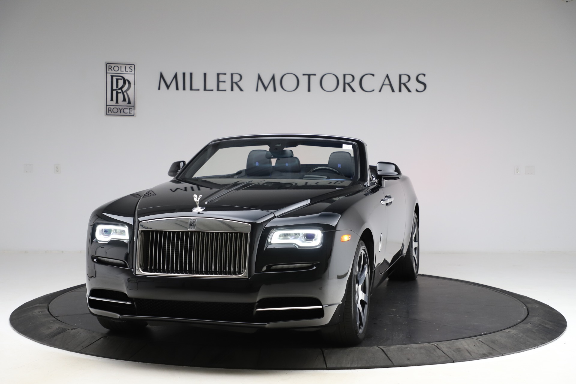 Used 2017 Rolls-Royce Dawn for sale $239,900 at McLaren Greenwich in Greenwich CT 06830 1